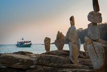 Rocks Balancing, Koh Samet, Thailand