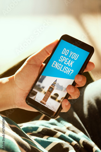 text do you speak English in a smartphone