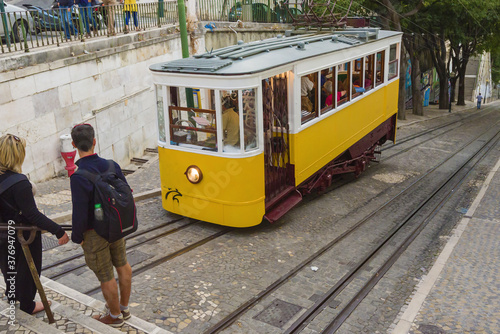 The Gloria Funicular in Lisbon, Portugal Tableau sur Toile