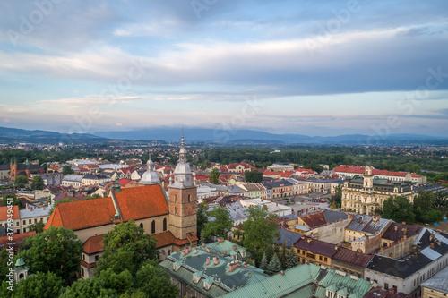 Nowy Sącz, Widok na centrum miasta o poranku - fototapety na wymiar