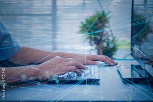 Photo インターネットセキュリティとデータ保護、個人情報 クラウド サイバーセキュリティ DX デジタルトランスフォーメーションのイメージ