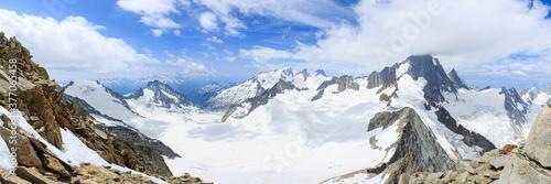 Tela Blick vom Oberaarhorn über Studergletscher, Wasenhorn, Finsteraarrothorn, Finste
