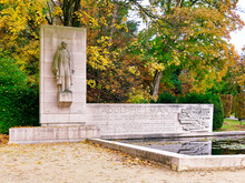 Monument To Adolphe Max And Park Brussels, Belgium