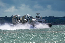 Hover Craft Solent Cowes Portsmouth