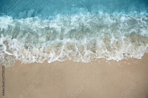 Carta da parati Beautiful view of sea tide on sandy beach. Summer vacation