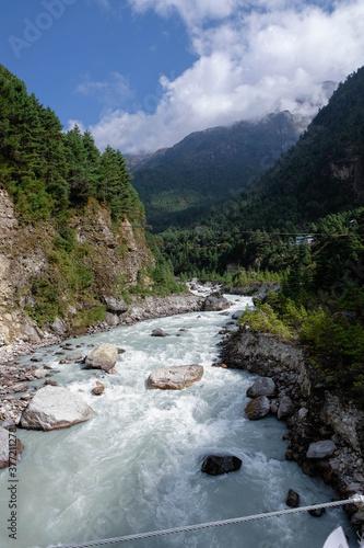 Rzeka w Nepalu