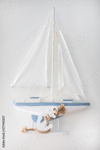 ship on a white background Fototapet