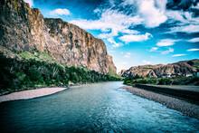 Vista Del Río De Las Vueltas ...