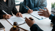 Signing Of A Contract With A Consultant Lawyer.