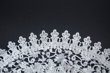 White Crotcheted Lace Table Cl...