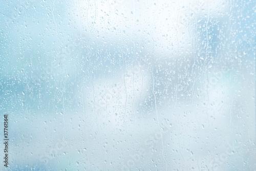 Obraz na plátně 雨 水滴 窓ガラス