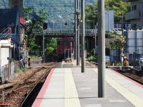 Photo 広島芸備線、離れていく電車。 参
