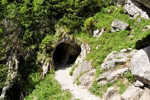 Jaskinia Mylna W Tatrach Zachodnich Z Wytyczonym Szlakiem Turystycznym