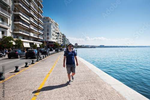 Fototapeta A traveler visiting Aristotelous Square, Thessaloniki, Greece