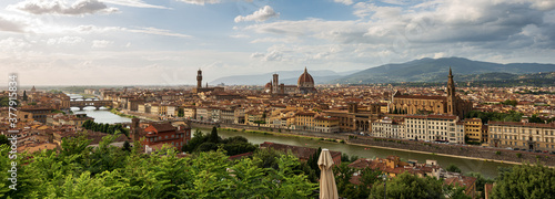 Fototapeta Florence cityscape seen from the Hill with the cathedral in the center, Santa Maria del Fiore and the bell tower of Giotto (Campanile)