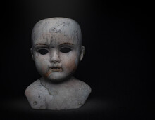 Creepy Porcelain Doll Head Fou...