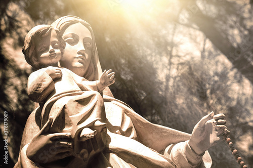 Statue of the nativity of the baby jesus Our Lady and Joseph are by your side Fototapet