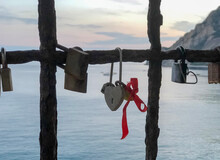 Heart-shaped Keylock With Red ...