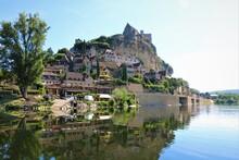 Village Sur La Colline