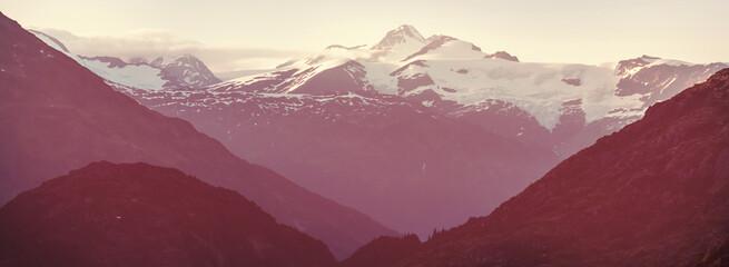 Fototapeta Bieganie Mountains in Canada
