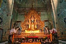 The Maha Myatmuni Buddhist Tem...