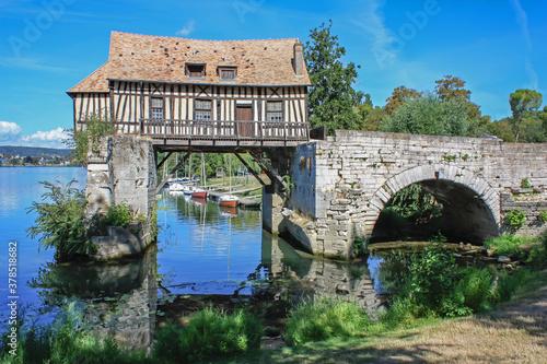 Fotografering Vernon. Le vieux moulin à eau. Eure. Normandie