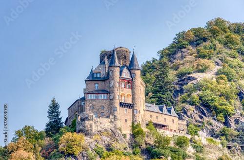 Obraz Burg Katz über St. Goarshausen in der Welterbe Kulturlandschaft Oberes Mittelrheintal in Rheinland-Pfalz - fototapety do salonu
