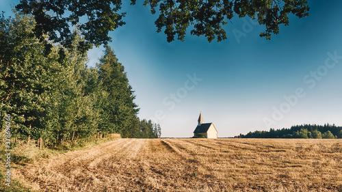 Fotomural Idyllic chapel in Waldviertel, Lower Austria