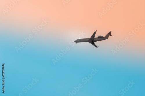 Samolot pasażerski na niebie. Billede på lærred