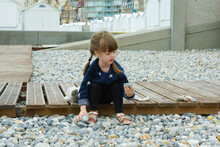 Enfant Bord De Mer