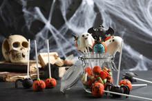 Different Halloween Themed Cak...