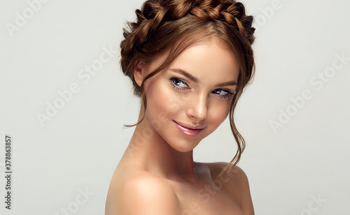 Photo Beautiful woman with clean skin on her face