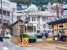 函館市内を走る路面電車