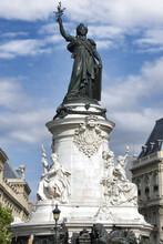 Paris, France. La Place De La République. Statue Symbolisant La République, 1883,  De Léopold Morice (Sculpteur). Le Lion, En Bas De La Statue, Symbolise Le Suffrage Universel