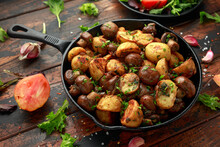 Baked Potato With Mushrooms An...