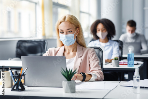 Cuadros en Lienzo New normal and modern job in office