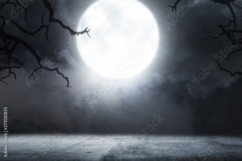 Photo Concrete floor with smoke and moonlight