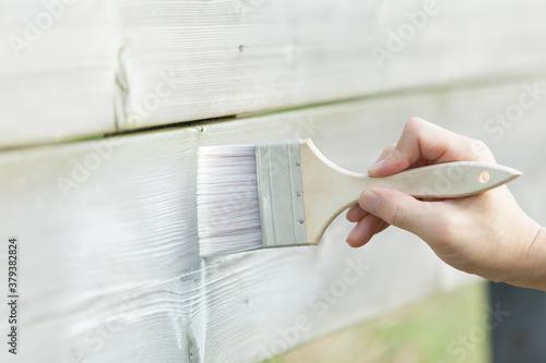 Cuadros en Lienzo 白い塗料を木材に塗る