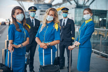 Airline Workers In Medical Mas...