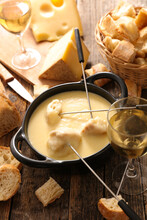 Fondue Cheese With Wine And Br...