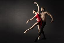 Ballet Dancers. Modern Balleri...