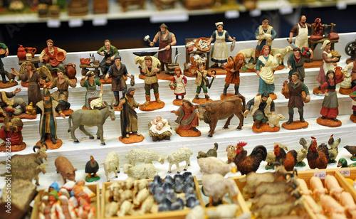 Платно Figuras del Belén, mercadillo de Navidad en Sevilla, España