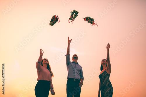 Fotomural Studenti laureati con corona di alloro trionfale simbolo italiano