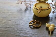 Gold Jewellery. Bracelet, Wedd...