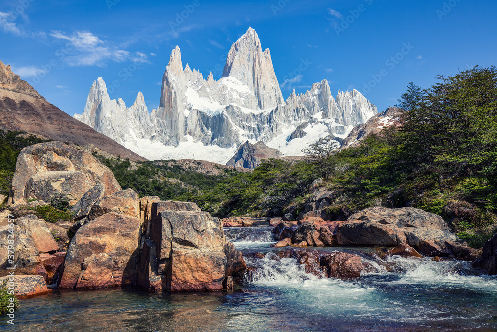 Fototapeta Glacial river rising from the Fitz Roy Mountains near El Chalten, in southern Patagonia, on the border between Argentina and Chile.