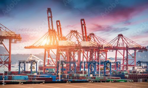 Valokuvatapetti Modern port and container terminal
