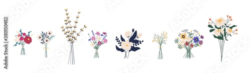 Cuadros en Lienzo Set of different beautiful bouquets with garden and wild flowers vector flat illustration