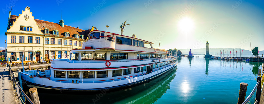 Fototapeta famous harbor of Lindau am Bodensee