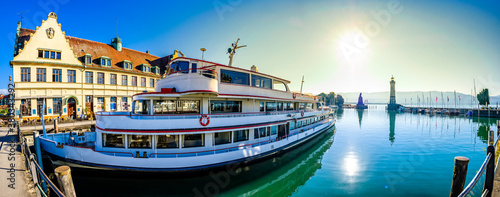 Fototapeta famous harbor of Lindau am Bodensee obraz