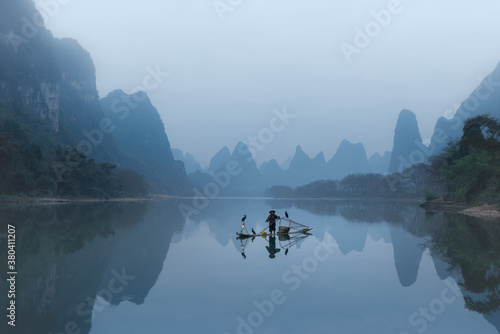 Chinese traditional fisherman with cormorants fishing, Li River Slika na platnu